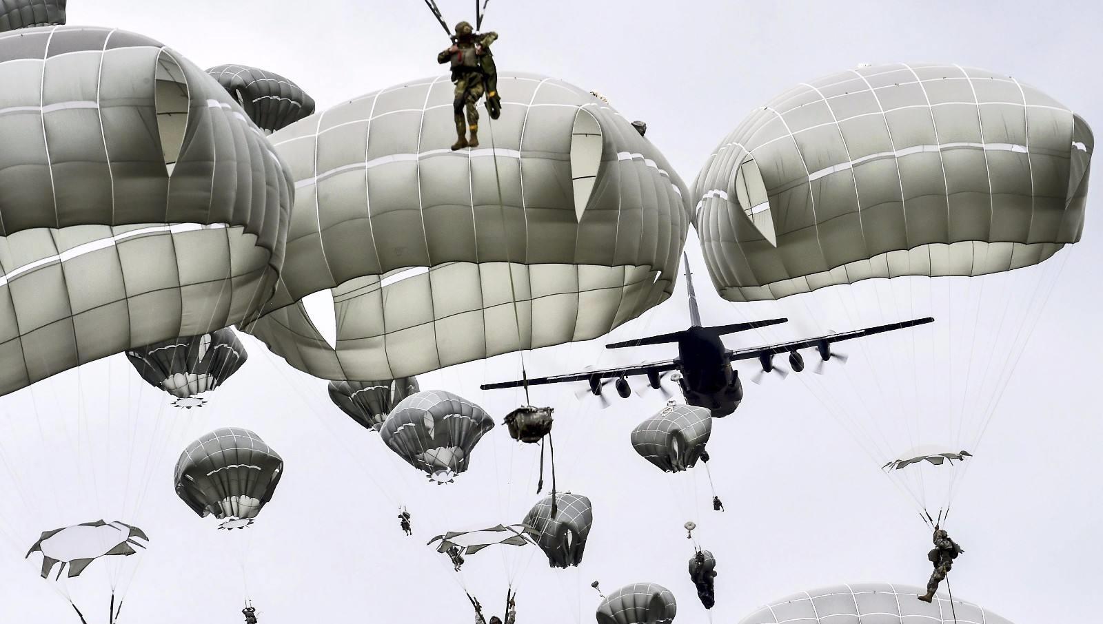 为什么打仗不能射击已经跳伞的飞行员?