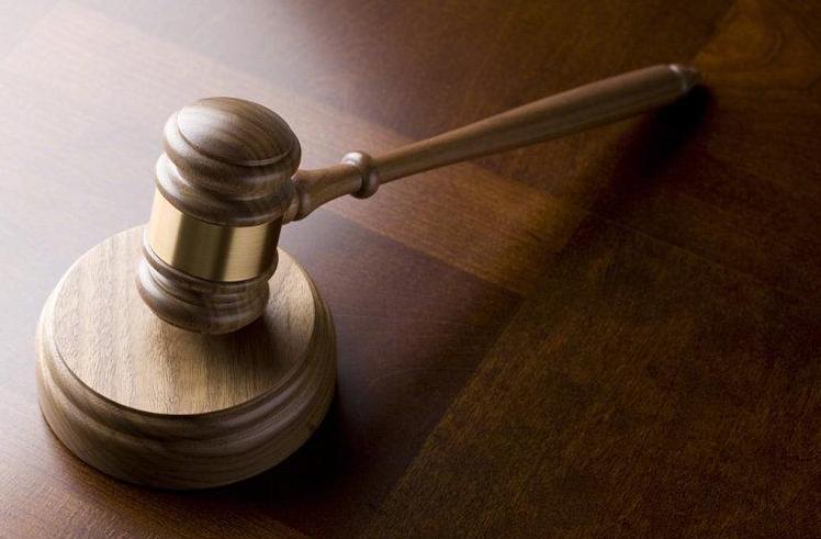 农妇遭到强奸后,用软管勒死施暴男,法院判定:正当防卫