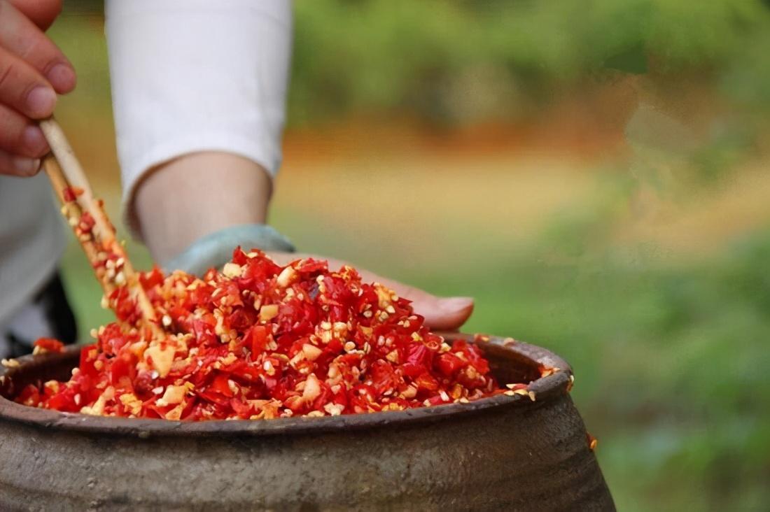 巧湘厨|湖南正宗剁辣椒做法,比老干妈还好吃