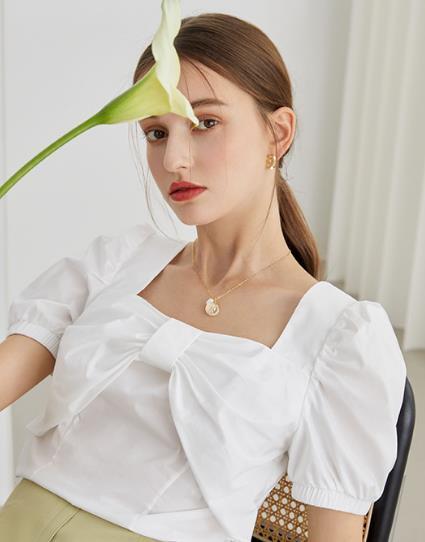 衬衫的蝴蝶结要怎么打