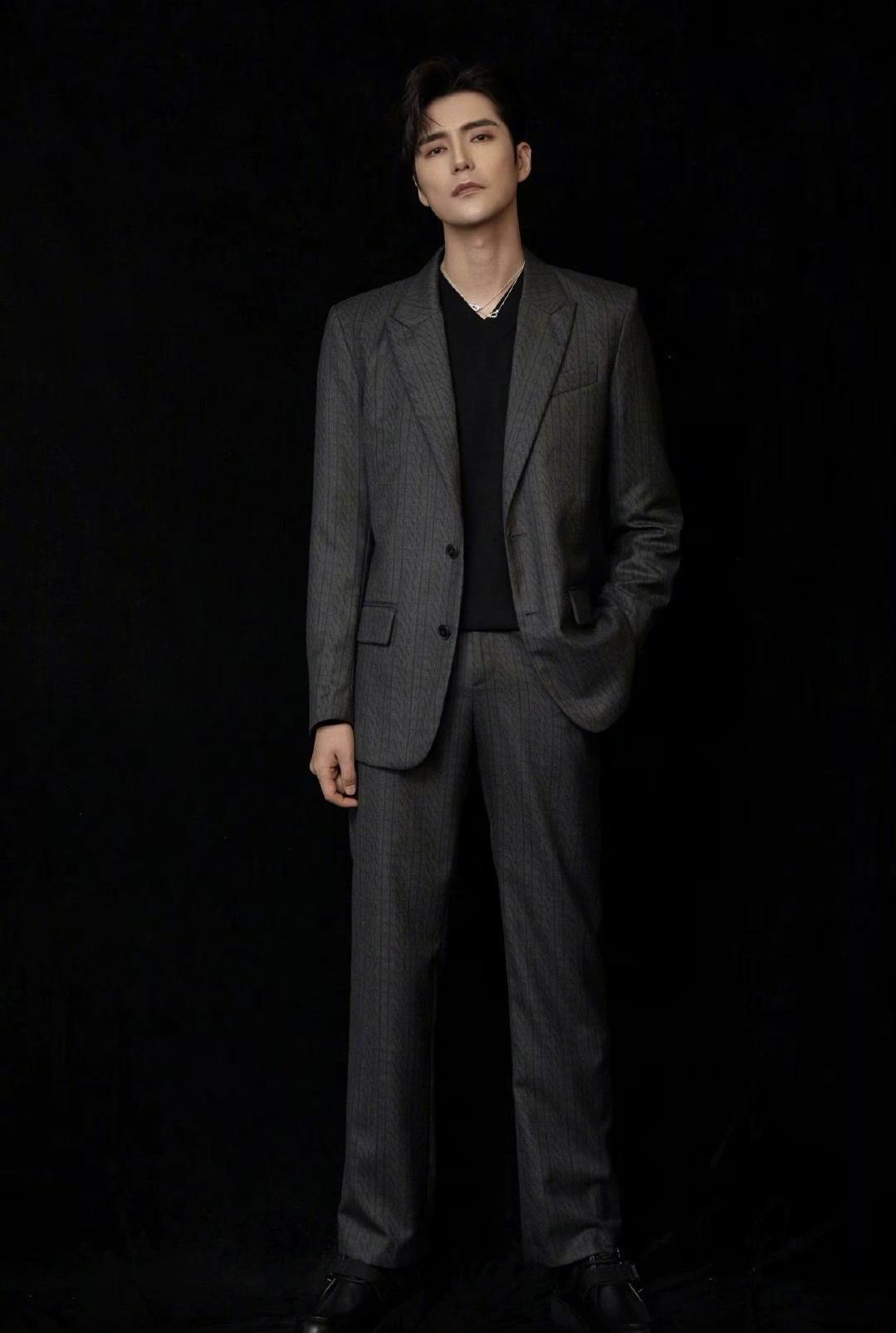 帅气又有型的黑色如何搭配好?看看男星们的黑色造型,你就知道了
