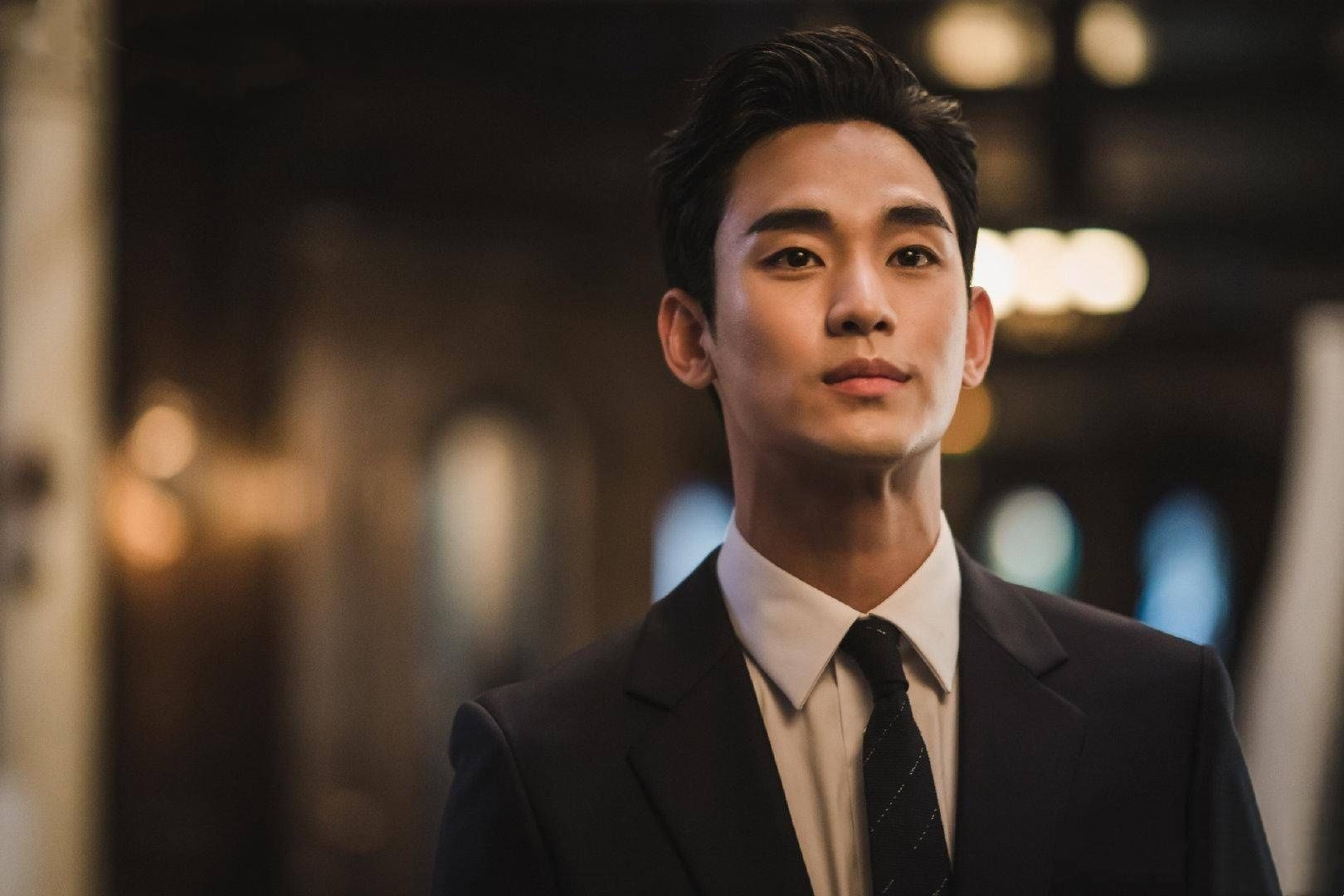 金秀賢每集5億片酬創紀錄,被韓網友狂批:他不是那種程度的演員