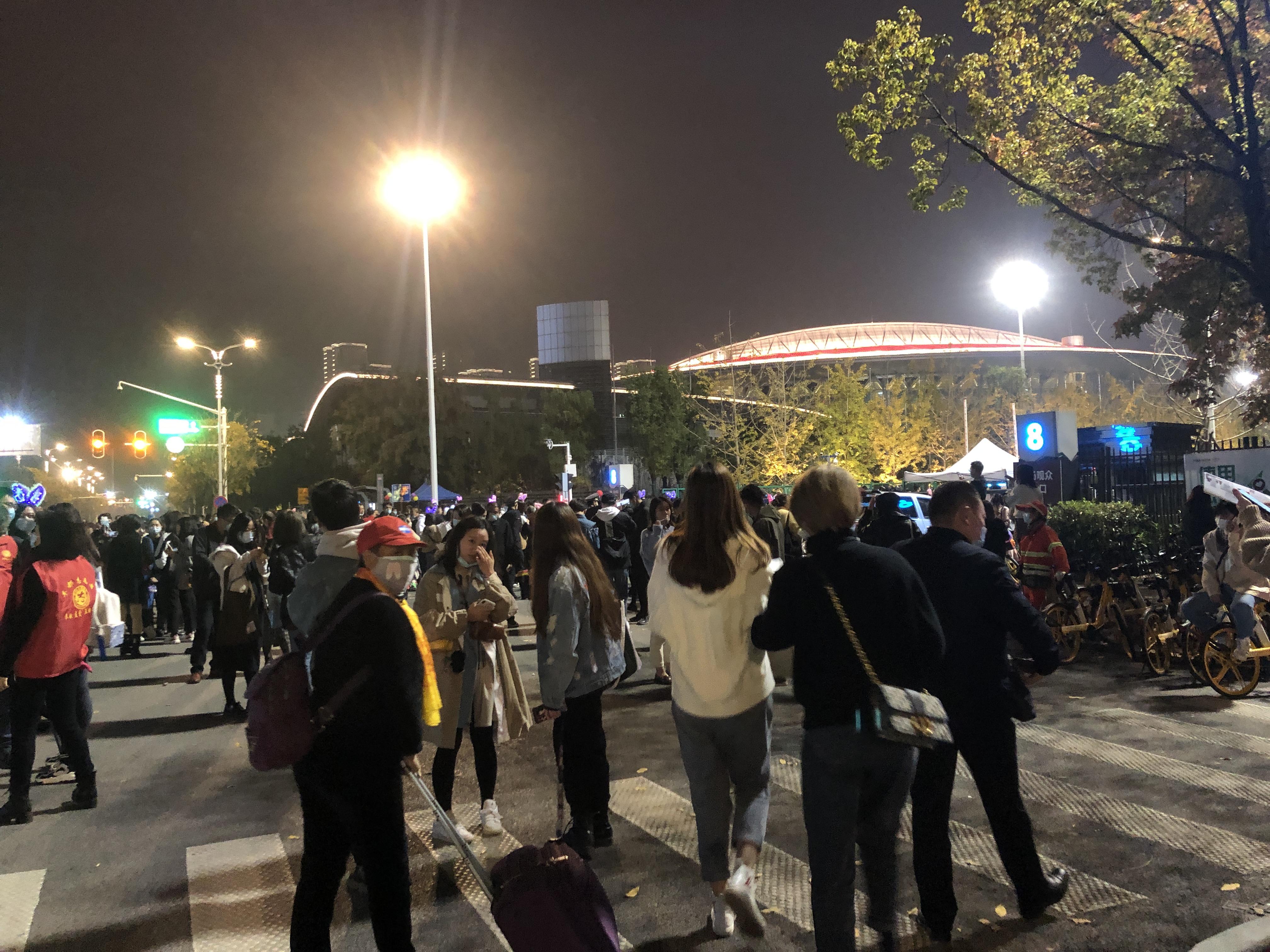 雨中不退场!直击《中国好声音》总决赛现场,一个武汉人的观感