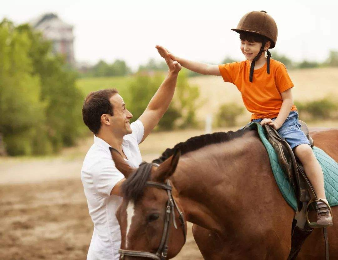 """允許孩子這樣""""浪費"""",才能夠讓孩子真正的成長!他才不害怕成功"""