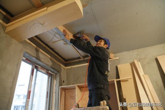 家庭装修生态板颗粒板哪个好?多角度对比,别再选错了