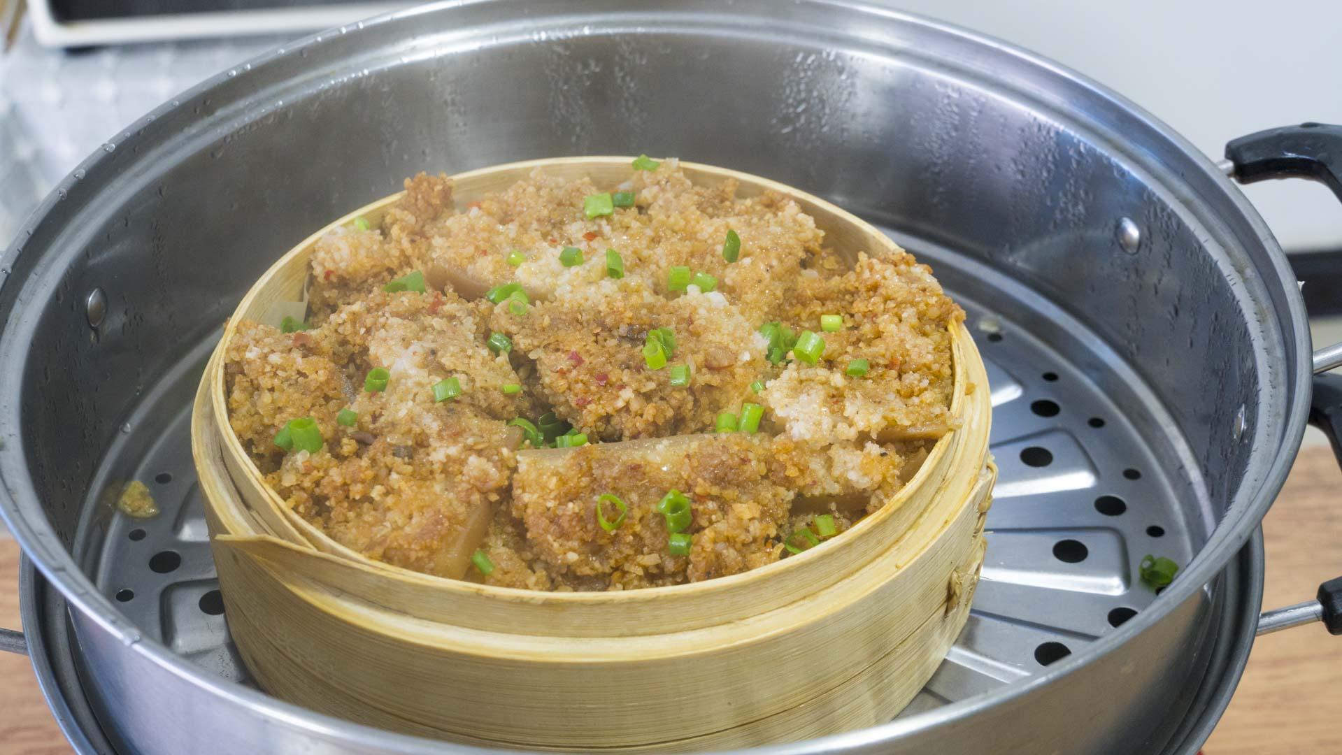 五花肉老做法,上鍋蒸一蒸就出鍋,一層比一層香,好吃不膩口