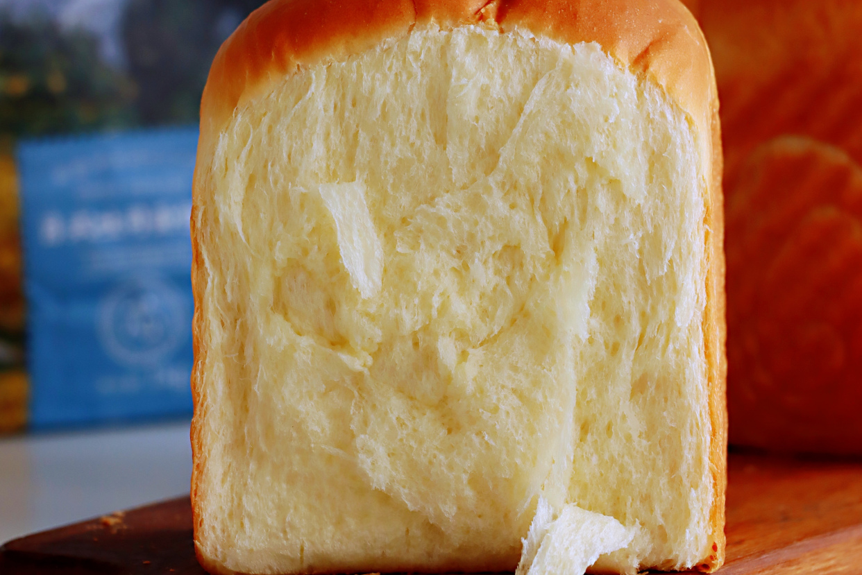 最愛的麵包配方,蓬鬆暄軟又拉絲,涼了也不硬,口感完胜麵包店