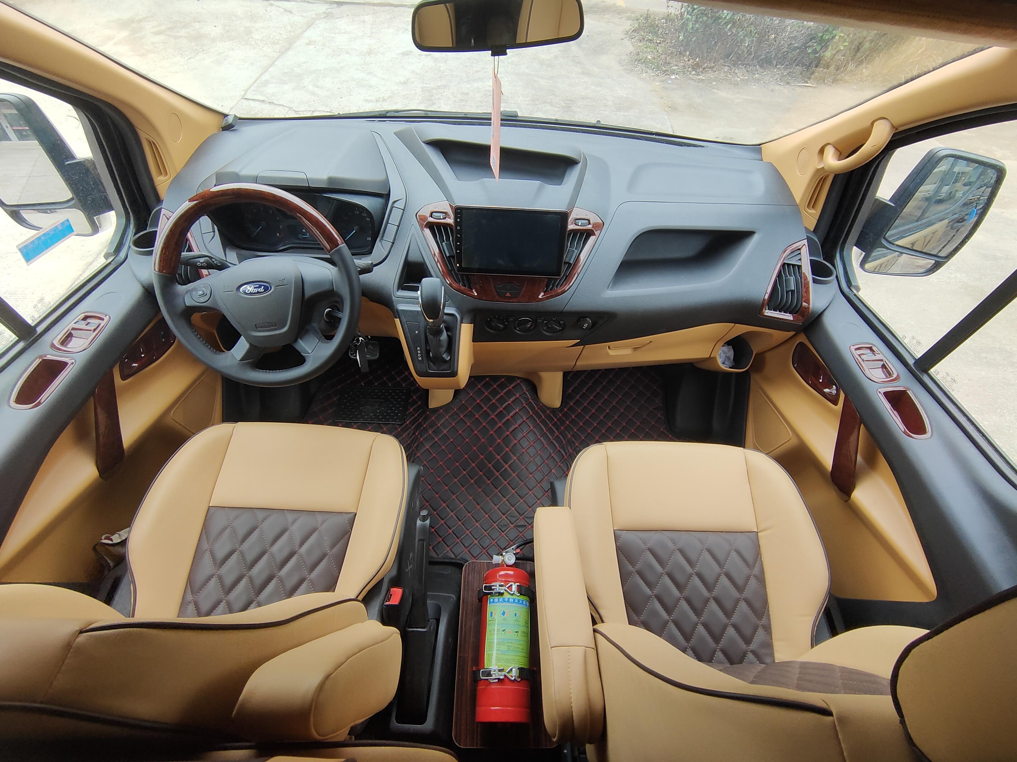 一款房车两种用途,小体积爆发大能量,趣蜂福特新全顺自动挡房车