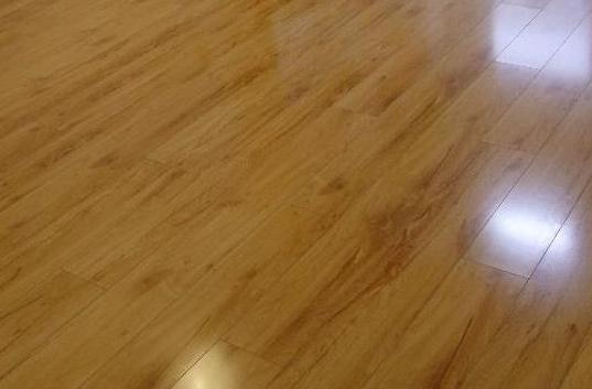 家里新房装地暖,用什么地板好