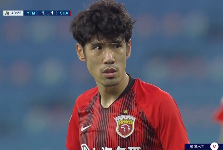 2-1!上港反超,佩帅连换3人有气魄,离复仇对手+晋级仅一步