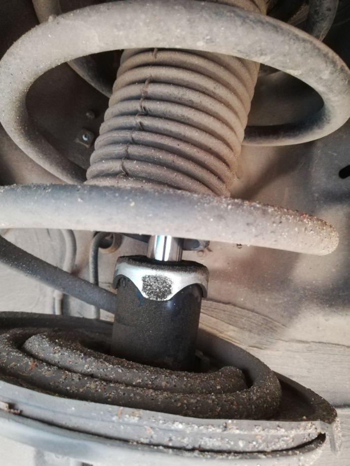 减震器渗油必须得换吗?不换会有什么影响?故障现象是什么?