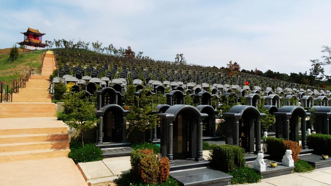 北大教授吴飞再提恢复土葬:或许有一天,中国人将把传统全部忘记