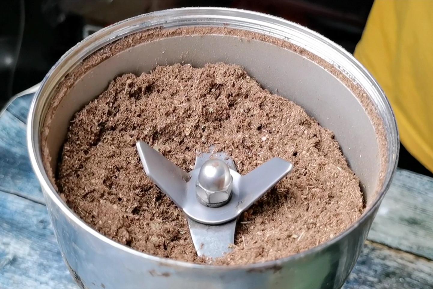 茶缸串串香,秘制麻辣底料熬制配方及教程 各地小吃 第2张