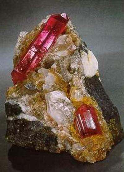 科普 托帕石,也称黄玉