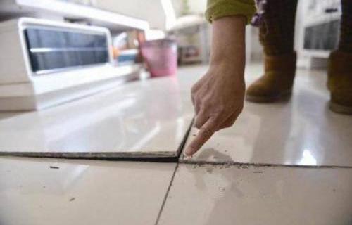 冬季是地板问题频发期,家里地板冬天该怎么办呢