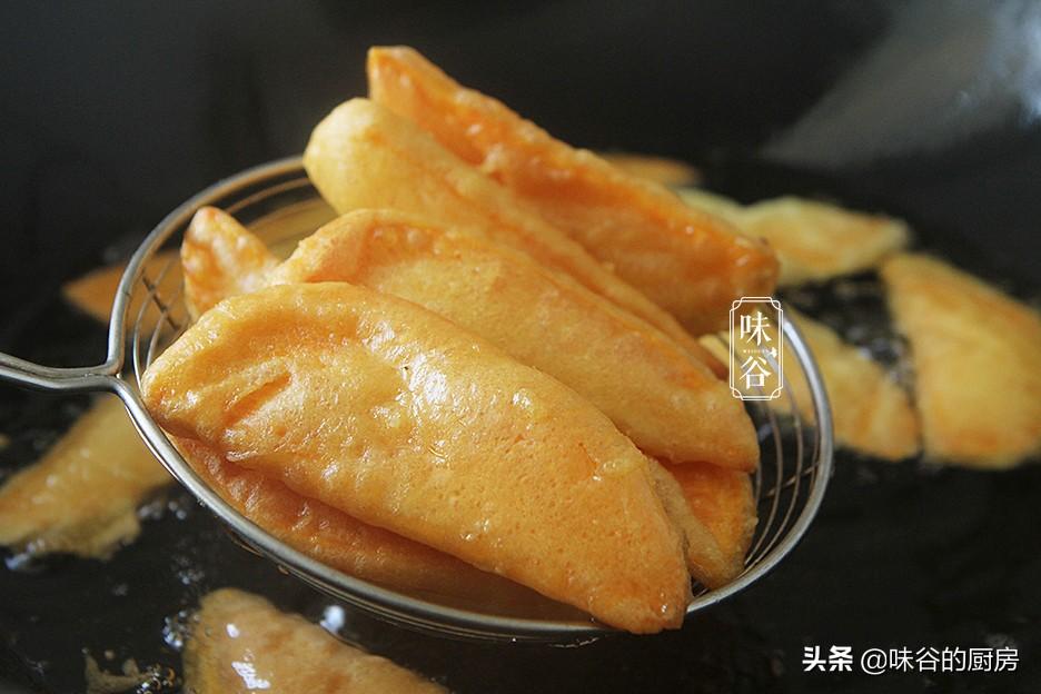 紅薯別再烤著吃了,這樣做成零食,金黃酥脆又好吃,真後悔做少了