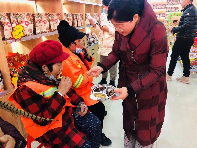 太和县首座七彩爱心小屋正式落户五源牛肉直营店