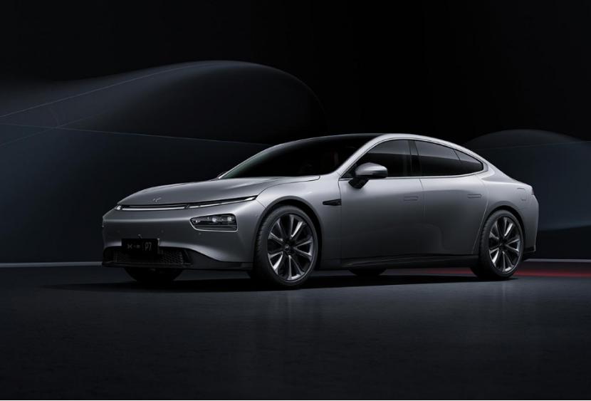 路虎卫士氢能源即将路试;丰田发布全新坦途皮卡预告图