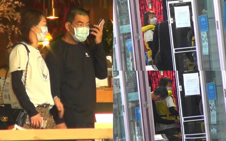 """54歲任賢齊陪太太逛街,全程體貼照顧老婆,不愧是""""寵妻狂魔"""""""