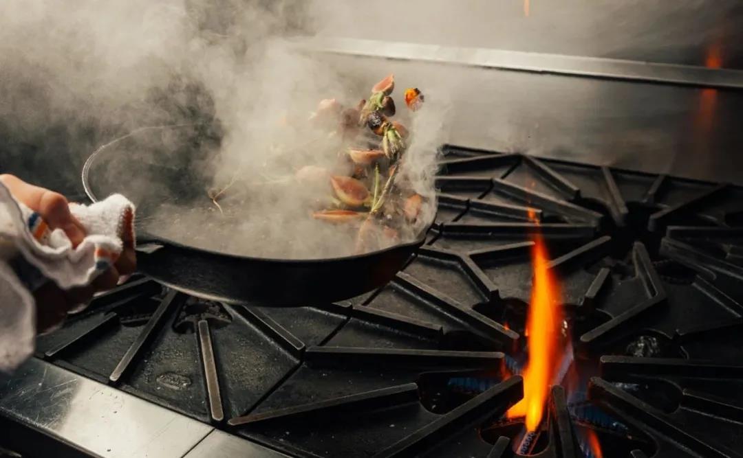 奥田集成灶多重防护,拉满厨房安全值