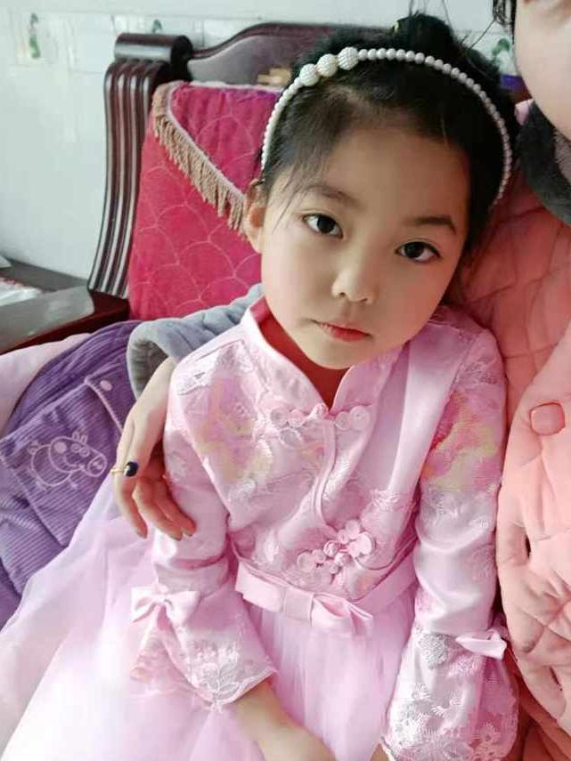 浙江衢州8岁女孩溺水,捐出4件器官救了4条命,医生护士鞠躬致敬