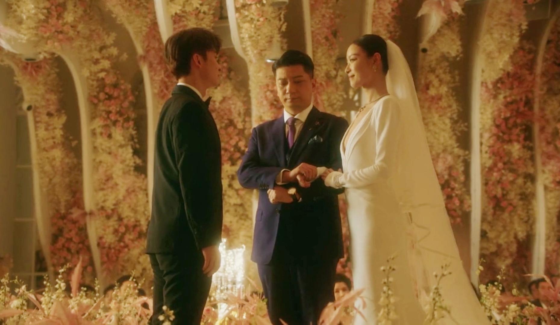 朱锁锁婚后怀孕,谢佳茵还是不认这个儿媳妇,谢宏祖有心无力