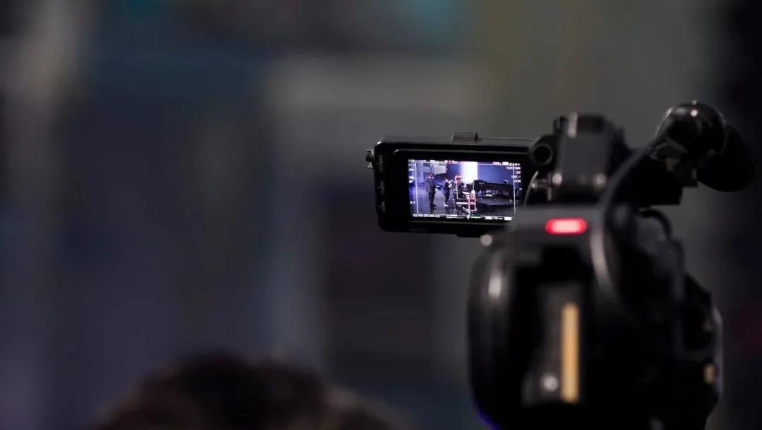 视频号捞金大战:服务商仨月赚100万,宝妈一条短视频收入4万  第1张