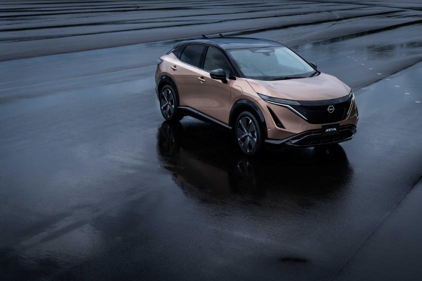 全新日产纯电动跨界SUV车型Ariya亮相北京车展