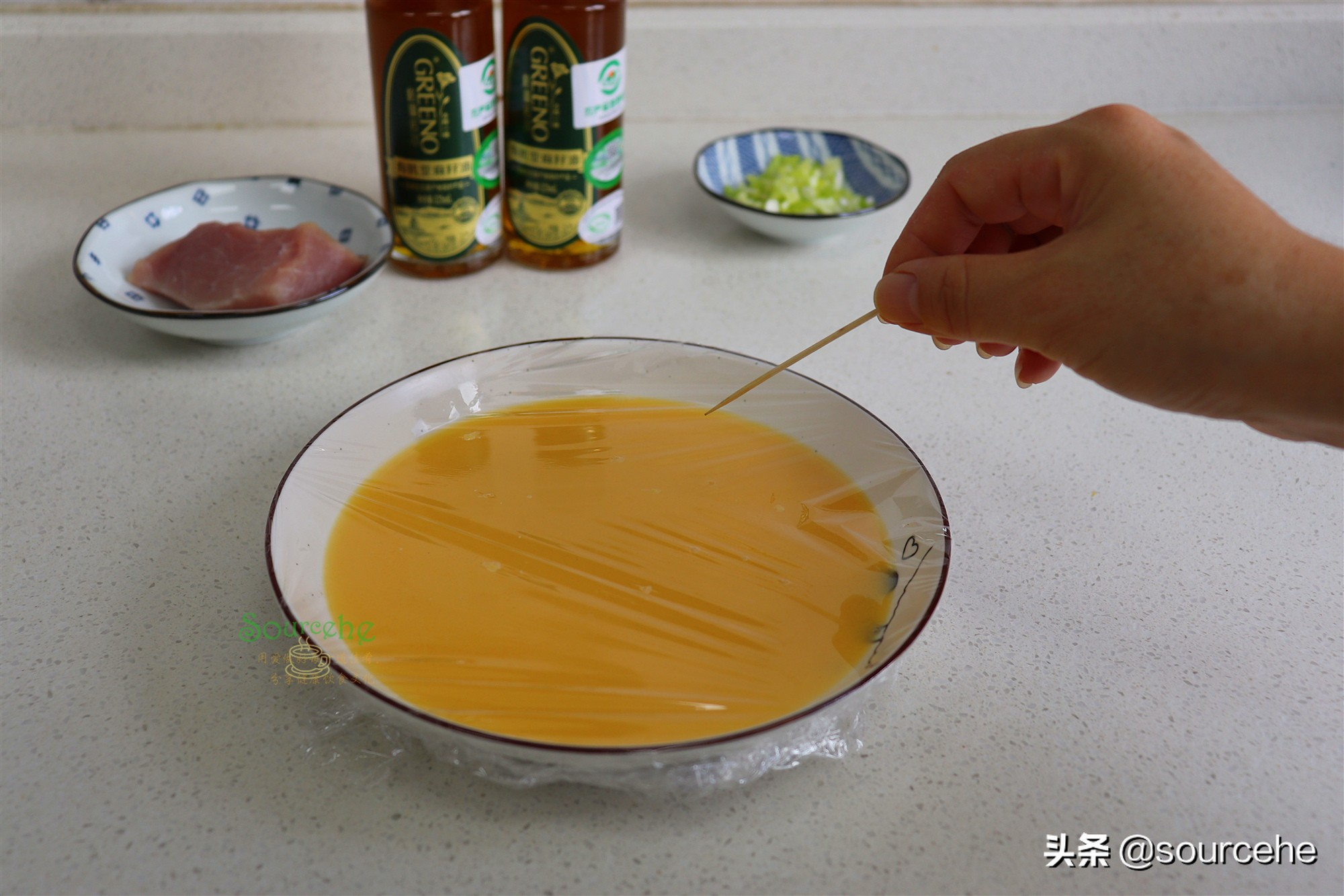 肉末蒸蛋,掌握3个技巧,鸡蛋鲜香无蜂窝,又香又嫩