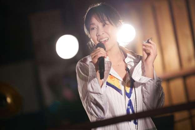 歌迷预录合唱《后来》画面刘若英感动得哭惨了