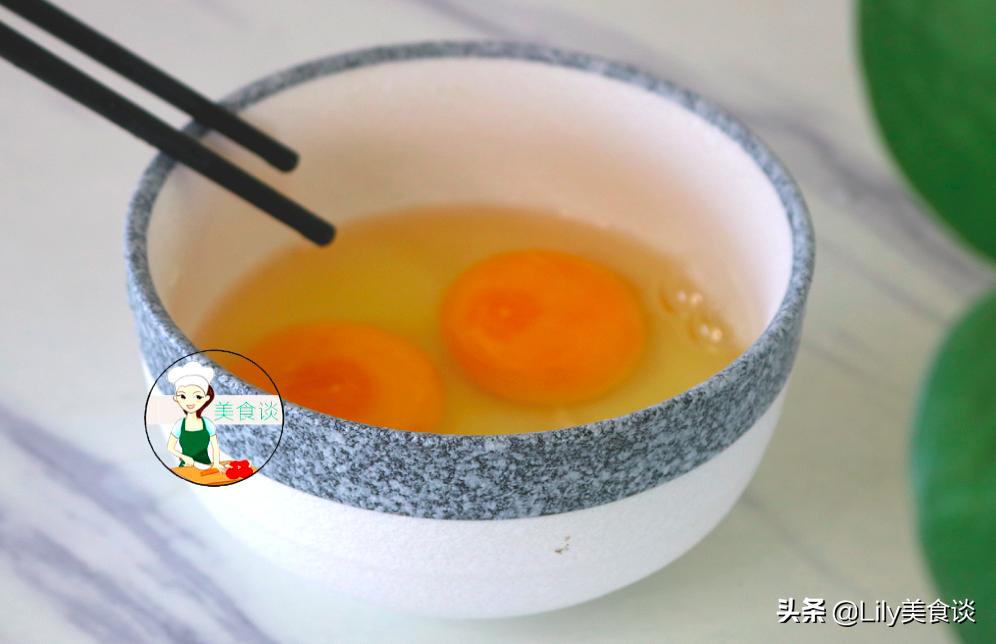 80歲老奶奶,教我這樣吃雞蛋,不煮不蒸,每天一碗,營養又好喝