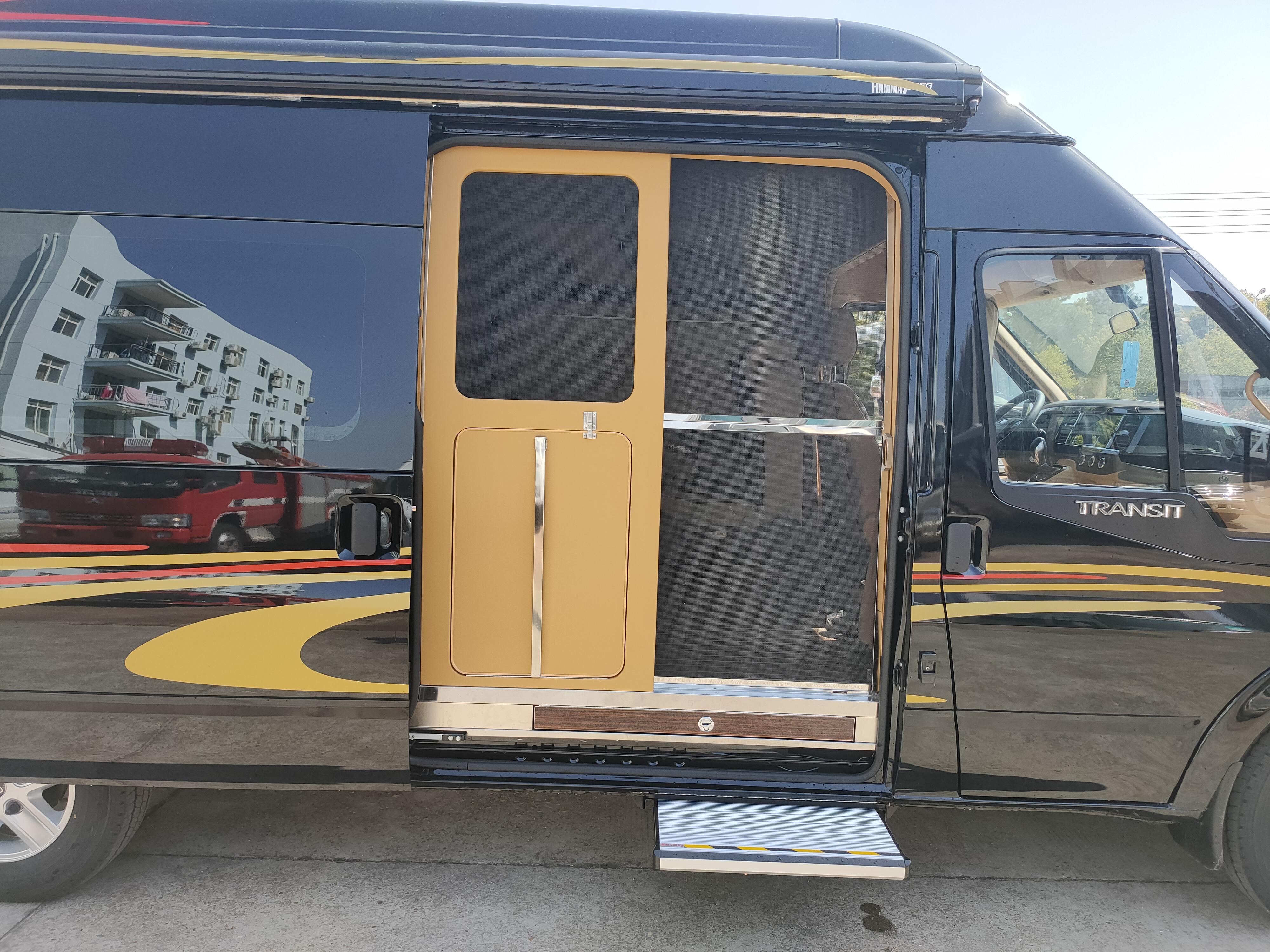 最经典的底盘打造最经典的房车,趣蜂福特全顺Pro自动挡房车来袭