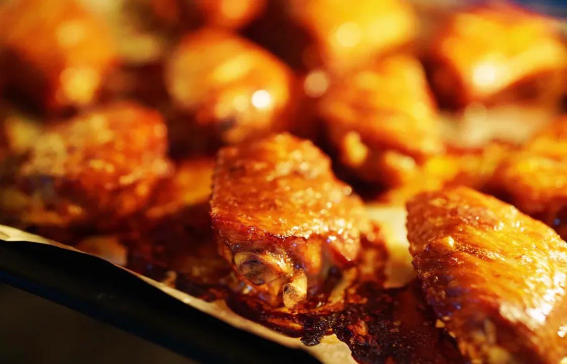 孩子们爱吃的蒜香烤翅 美食做法 第6张