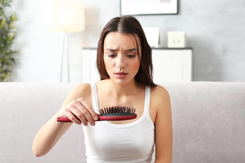 秋燥头发容易掉?可能是身体缺少这2种营养了