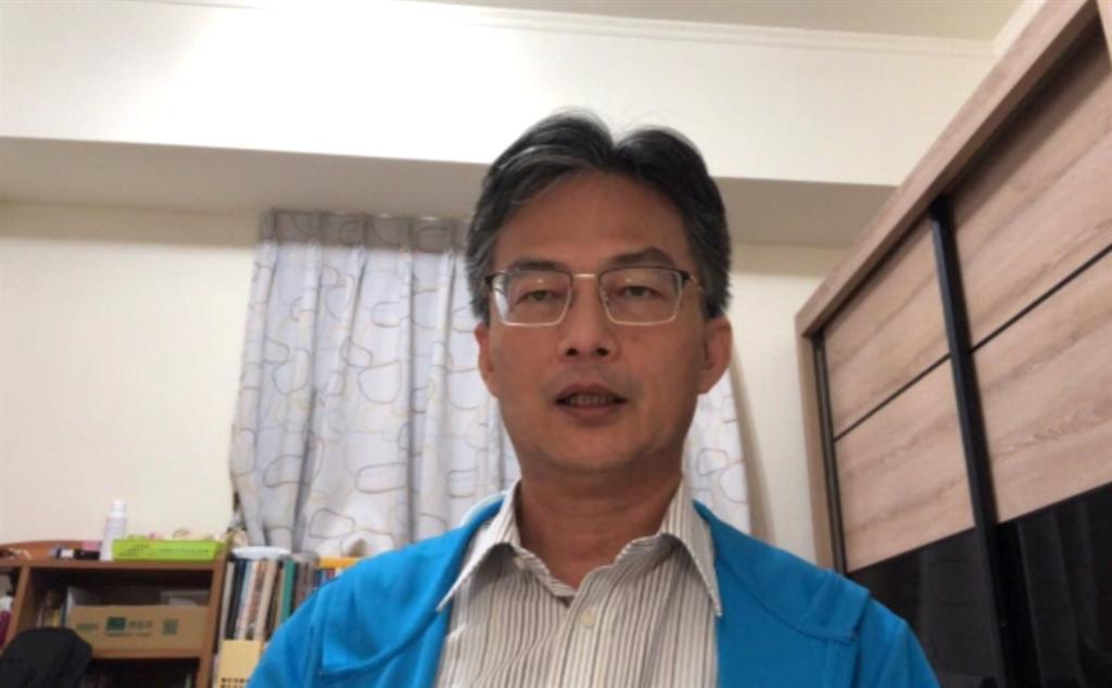 批民進黨只在乎選舉,醫師蘇偉碩:網軍發圖速度比發疫苗快1萬倍