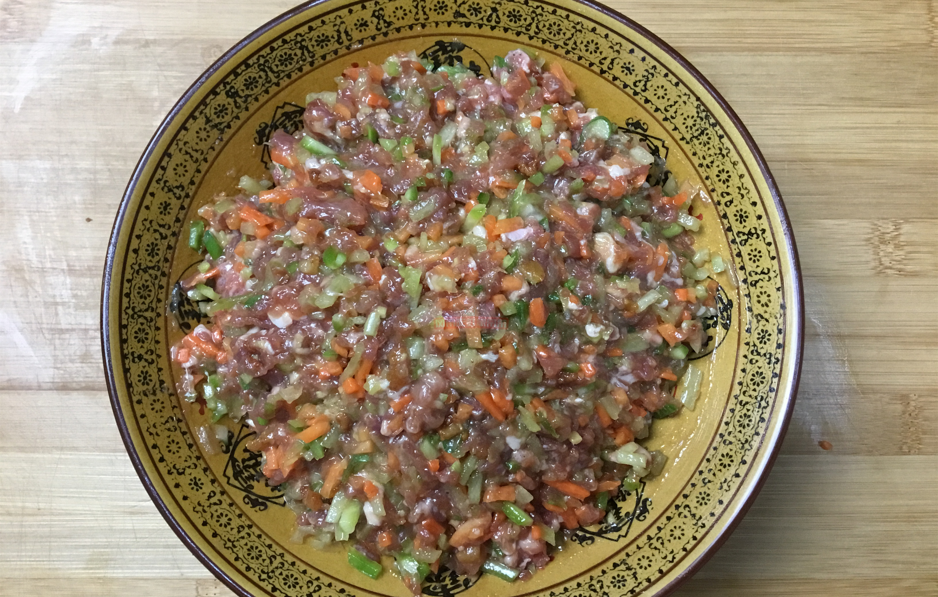 牛肉馅蒸饺,调馅是关键,做对了肉嫩多汁,味道鲜美 美食做法 第3张