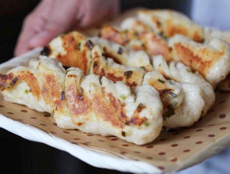 老北京粘卷子做法 香酥脆一锅出