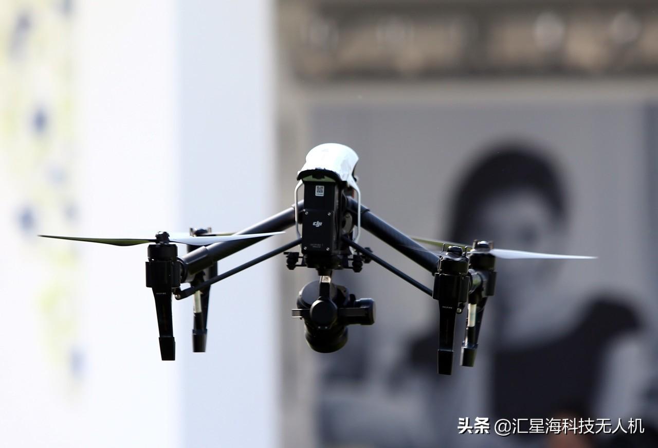 无人机深入探测区 检查甲烷等危险气体