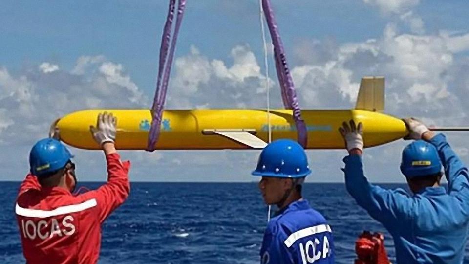 印尼渔民捞到特殊物品,外媒:可能是中国的东西,对潜艇帮助很大