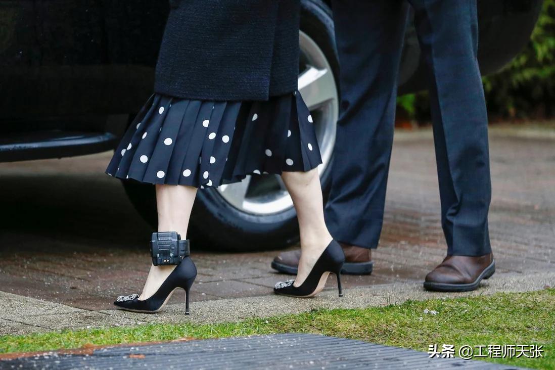 孟晚舟无罪获释回国!揭秘她曾佩戴的电子脚扣,让人心疼