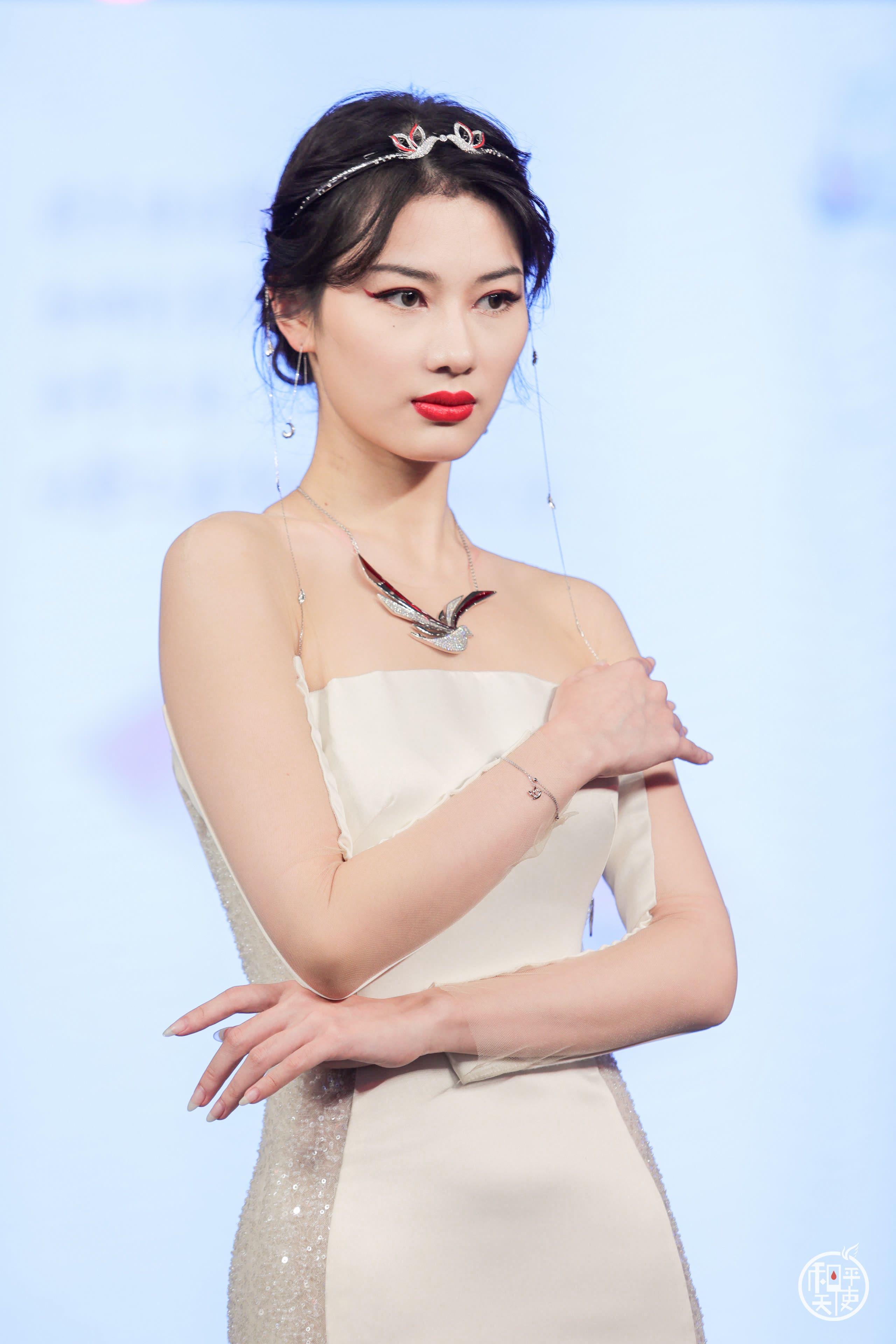 王凯亲临演绎周大福和平天使新品魅力,珠宝迷不容错过