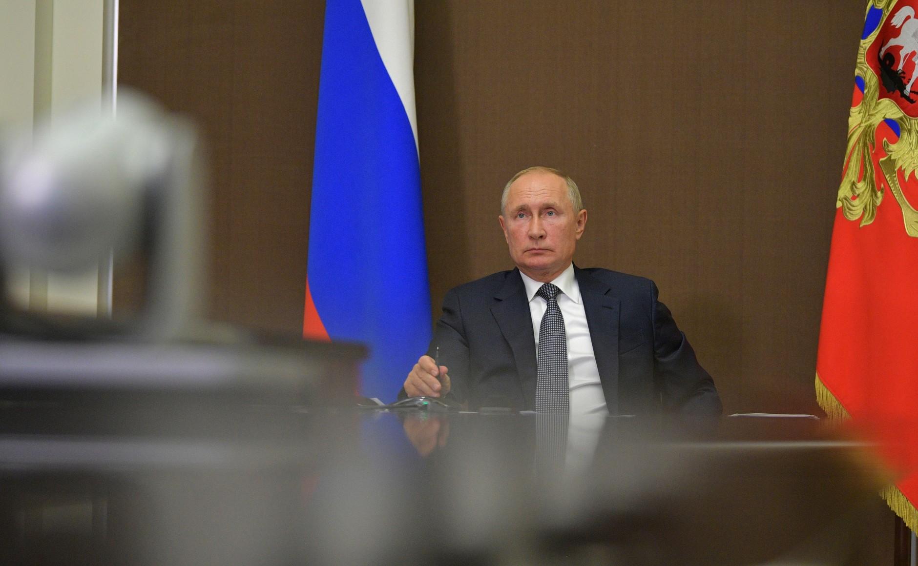 俄罗斯总统法律颁布:可再连任两届