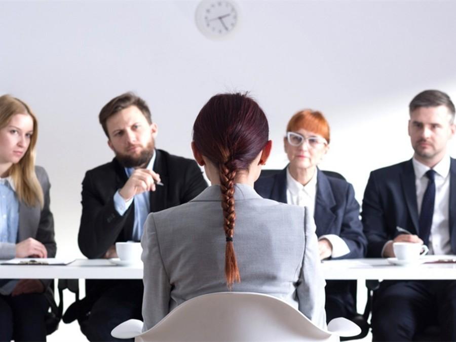 """求职加分还是交智商税?女子优化简历月赚1万5,3万人""""受益"""""""
