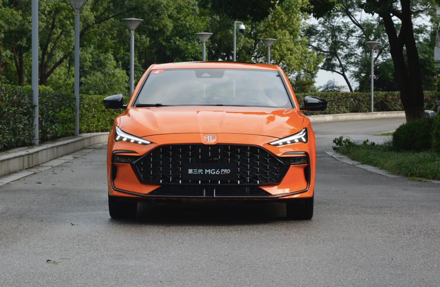 9.78万元起售 运动轿跑第三代名爵6 PRO正式上市 看啥思域影豹?