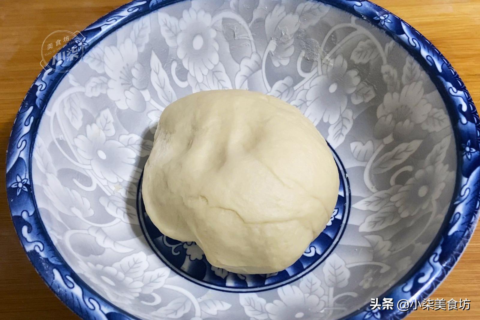 在家自制绿豆小饼,学会不用买,清凉解暑易消化,老人孩子都喜欢