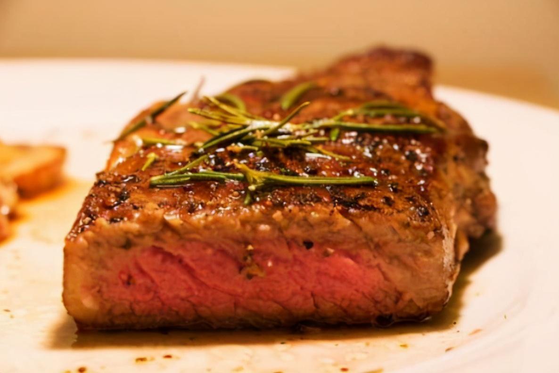 都是牛排 为什么中国牛排口感没有外国牛排鲜嫩?