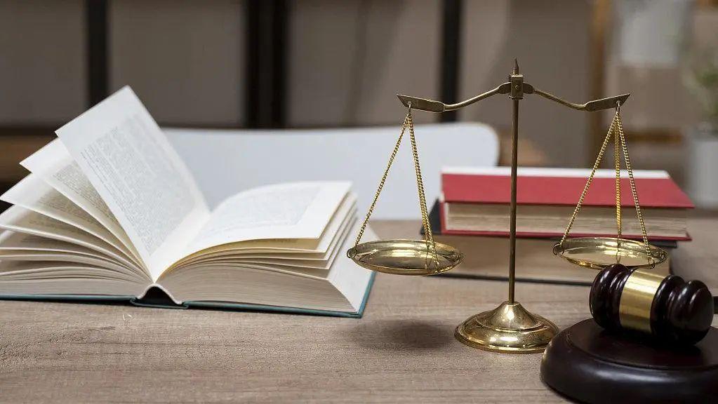 18岁女生立遗嘱留2万元给朋友 | 怎样立遗嘱才有法律效力?