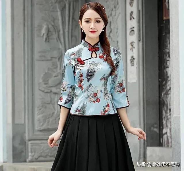 復古絲綢修身旗袍,艷壓群芳的簡約兩件套,展現女人的優雅美