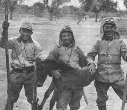 中国民间抗日斗争纪实:董胜村民群厮三个日本鬼子