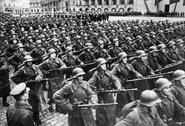 1969年中苏冲突后,苏联百万大军持核南下,最后一刻为何弃战